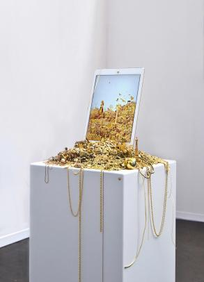 p16-156-Brout&Marion-Gold and Glitter-2015
